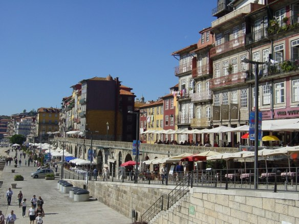 view of the Ribera quarter in Porto