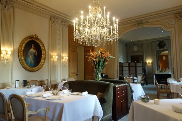 Le Parc's dining room